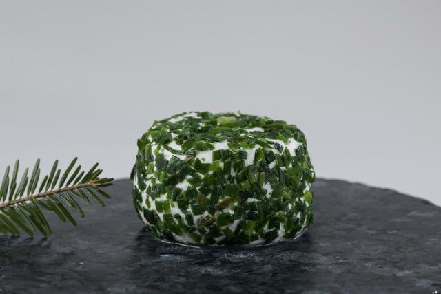 Photo du crottin aromatisé à la ciboulette